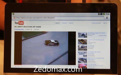Adobe mette in mostra un prototipo di tablet sul quale girano Flash e AIR