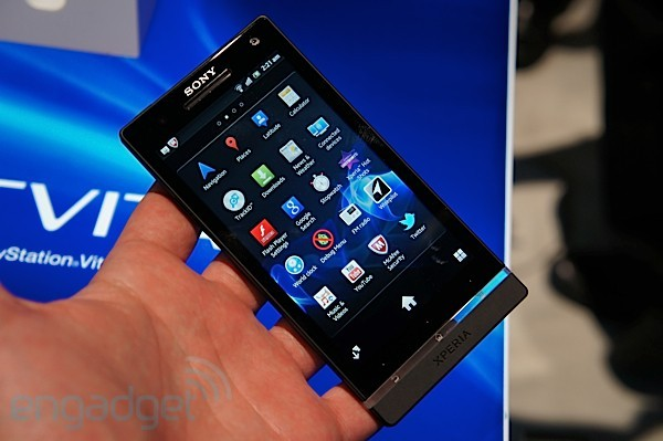 "Sony xperia s vanta un rivestimento ""sporco-repellente"" e"