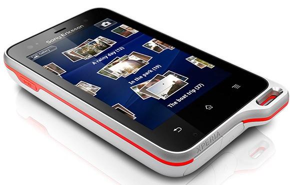 Sony Ericsson Xperia Active sfida il ghiaccio e la neve