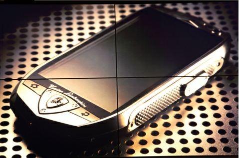 Arriva il telefono di lusso con 2 GB di RAM: ecco il Lamborghini TL700