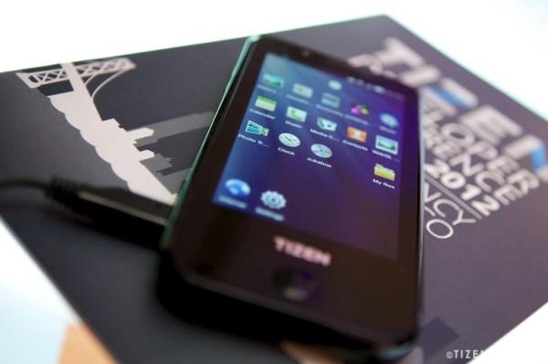 Samsung Tizen: il primo smartphone sarà annunciato all'MWC