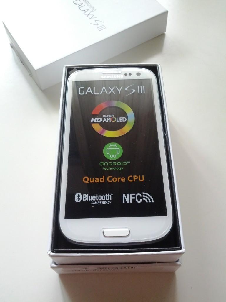 Samsung Galaxy S III - Unboxing e prime impressioni dopo un giorno di utilizzo