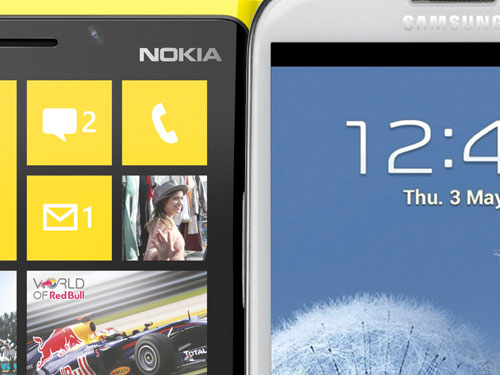 Samsung Galaxy S III vs Nokia Lumia 920: confronto display