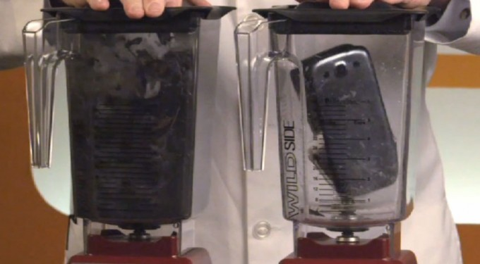 Samsung Galaxy S III vs iPhone 5: la sfida del frullatore