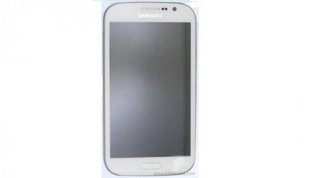 Samsung Galaxy Grand DUOS e Galaxy GT-I8262D appaiono in foto