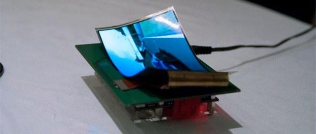 "Samsung mostrerà al CES 2013 un display flessibile da 5"" a 720p"