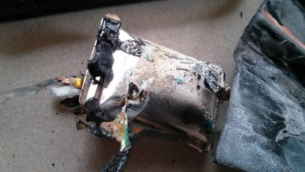 Google Nexus S prende fuoco ed esplode mentre è in ricarica