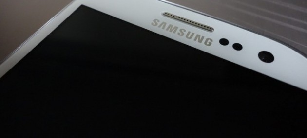 Samsung Galaxy Note 3 con display AMOLED (non flessibile) da 6 pollici?