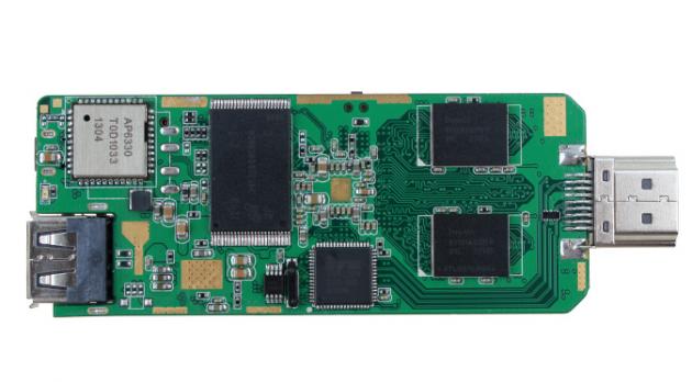 Tronsmart T428: Smart TV in una pen-drive con chip quad-core e Jelly Bean