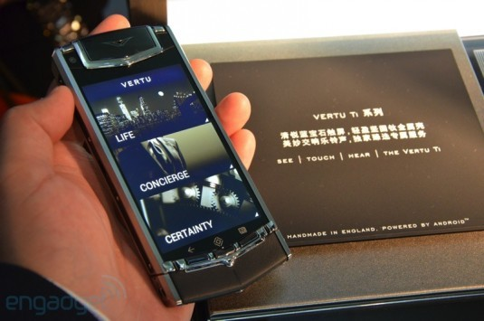 Vertu Ti: lo smartphone Android di lusso svelato ad Hong Kong [Video hands-on]