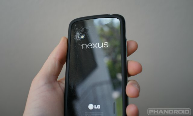 Nexus-4-cracked-hands-on-2
