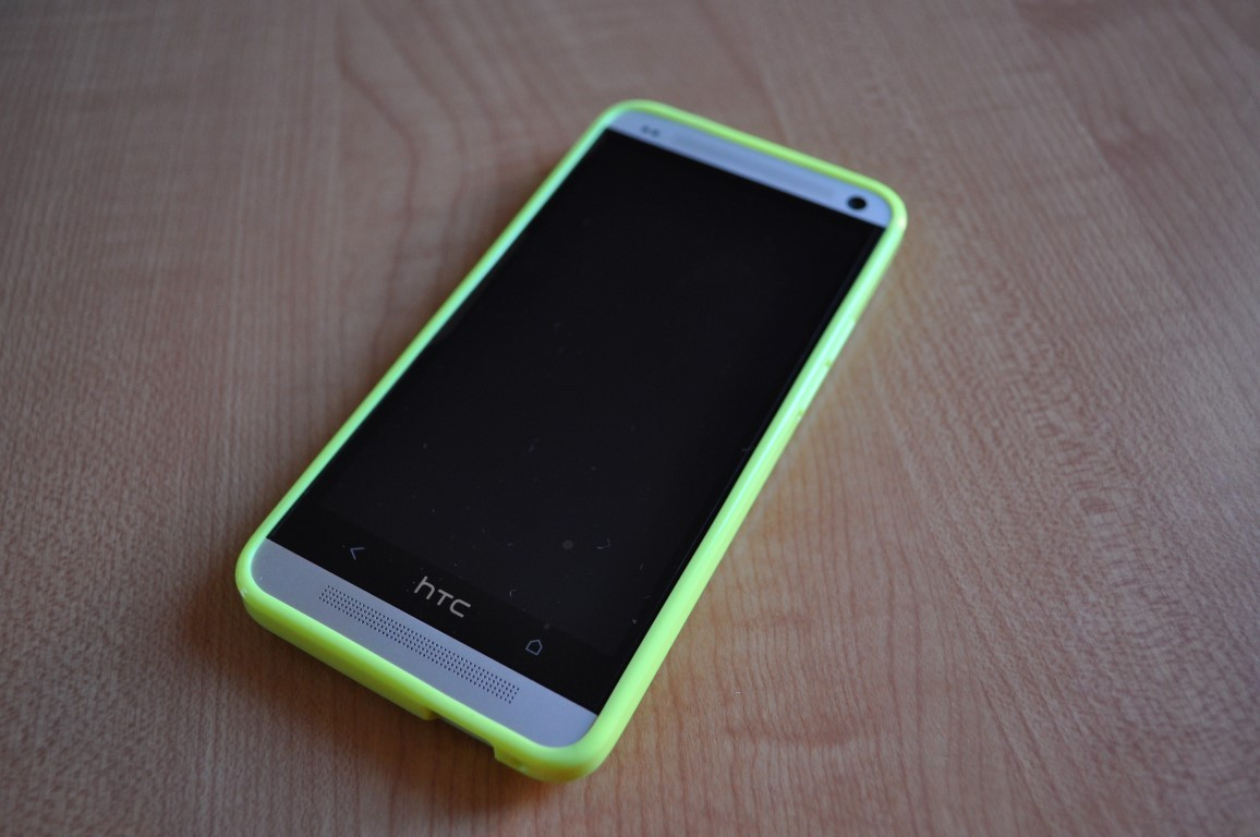 HTC ONE CON FLUO YELLOW COVER