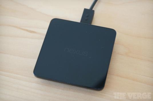 Nuova base di ricarica Wireless per Nexus 5 e Nexus 7 2013
