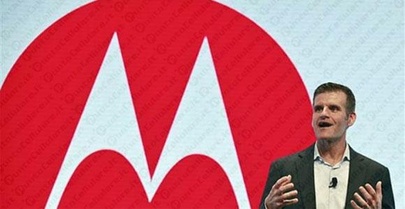 Motorola: il CEO Dennis Woodside lascia, Lenovo resta ottimista