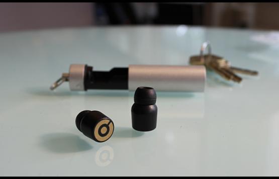 Earin: su Kickstarter le cuffiette bluetooth più funzionali di sempre