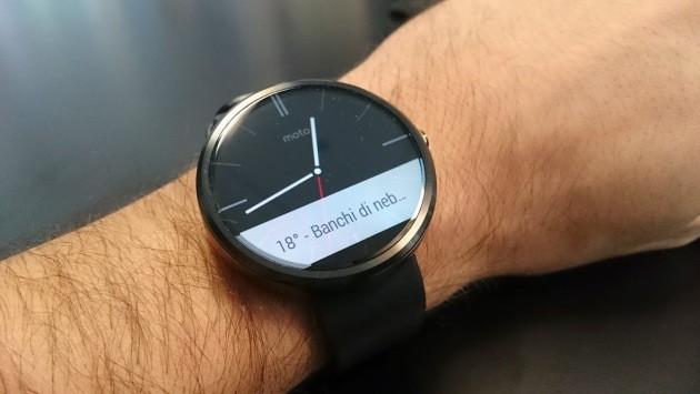 Iniziato il rilascio di Android Wear 4.4W.2 per Moto 360: risparmio energetico e alcune migliorie