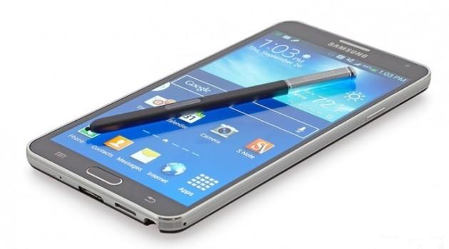 Samsung Galaxy Note 4, la durata della batteria supera le aspettative